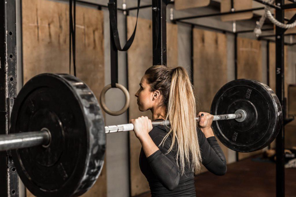 sterl trainingsschema voor vrouwen - hip shift oplossen in squat